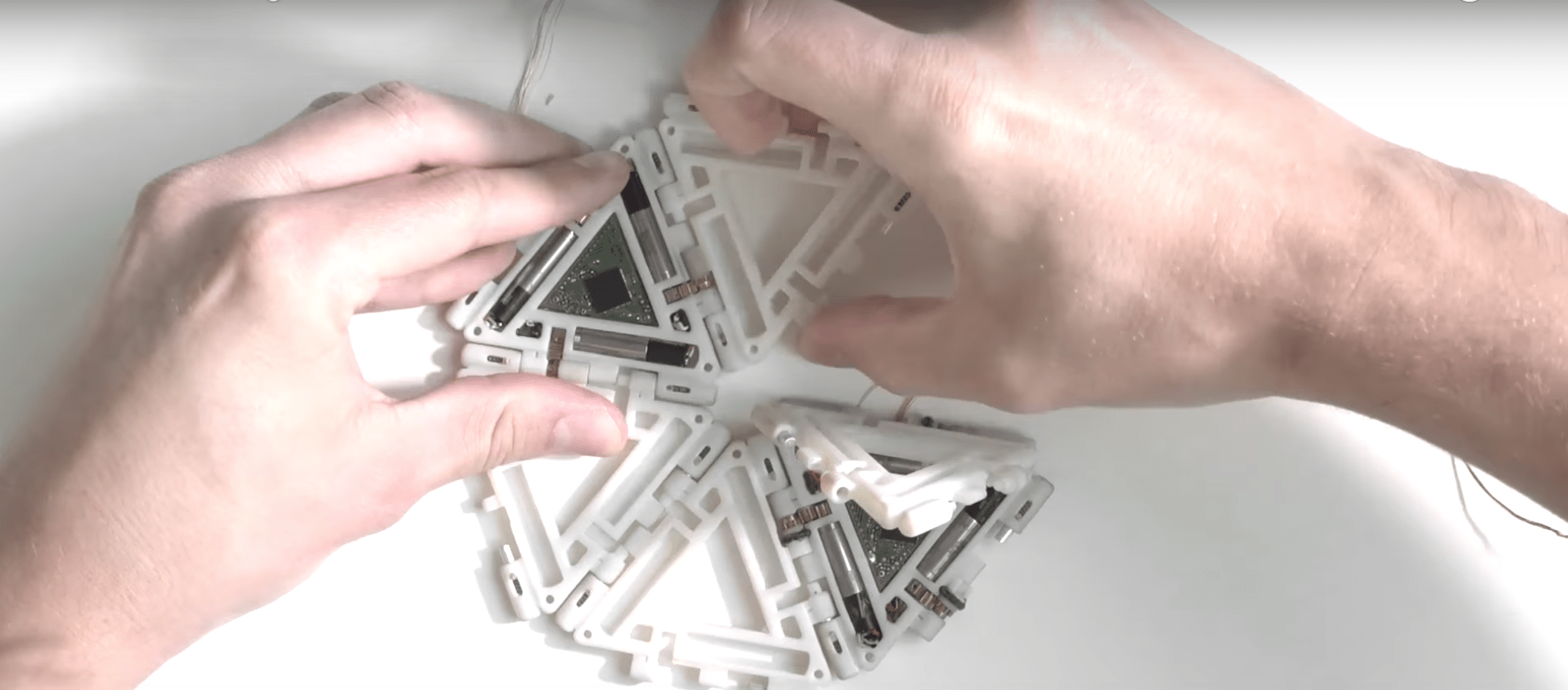 TheMerkle Mori Origami Modular Robot