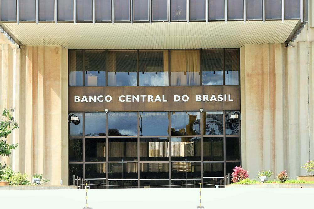 Brazil's Central Bank President Calls Bitcoin a Pyramid Scheme - The Merkle News
